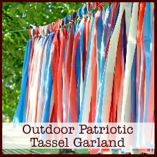 outdoor-patriotic-tassel-garland