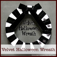 velvet Halloween wreath