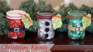 Christmas Kisses Treat Jars