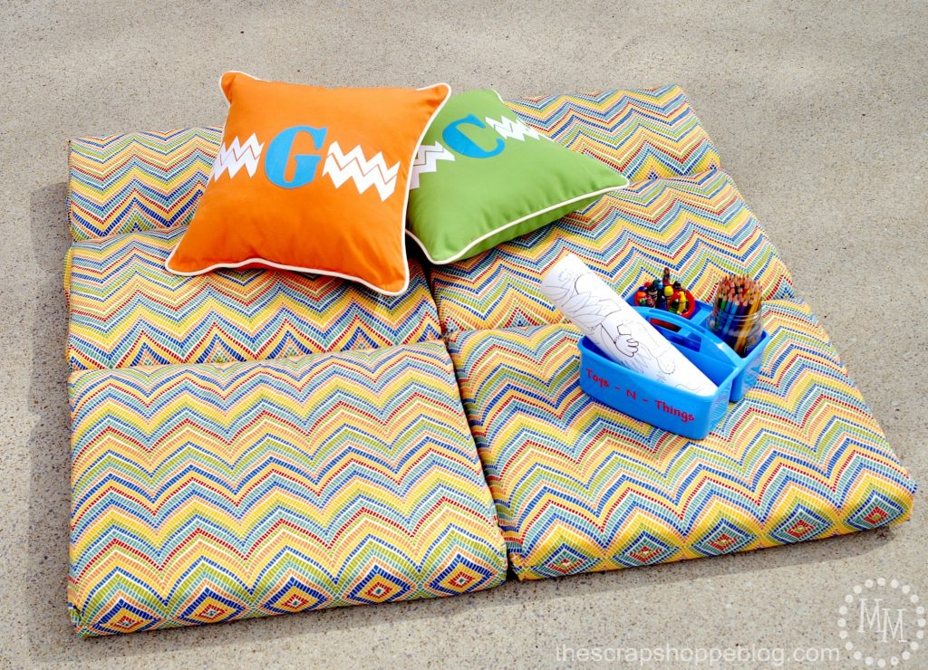 DIY Outdoor Play Mat The Scrap Shoppe