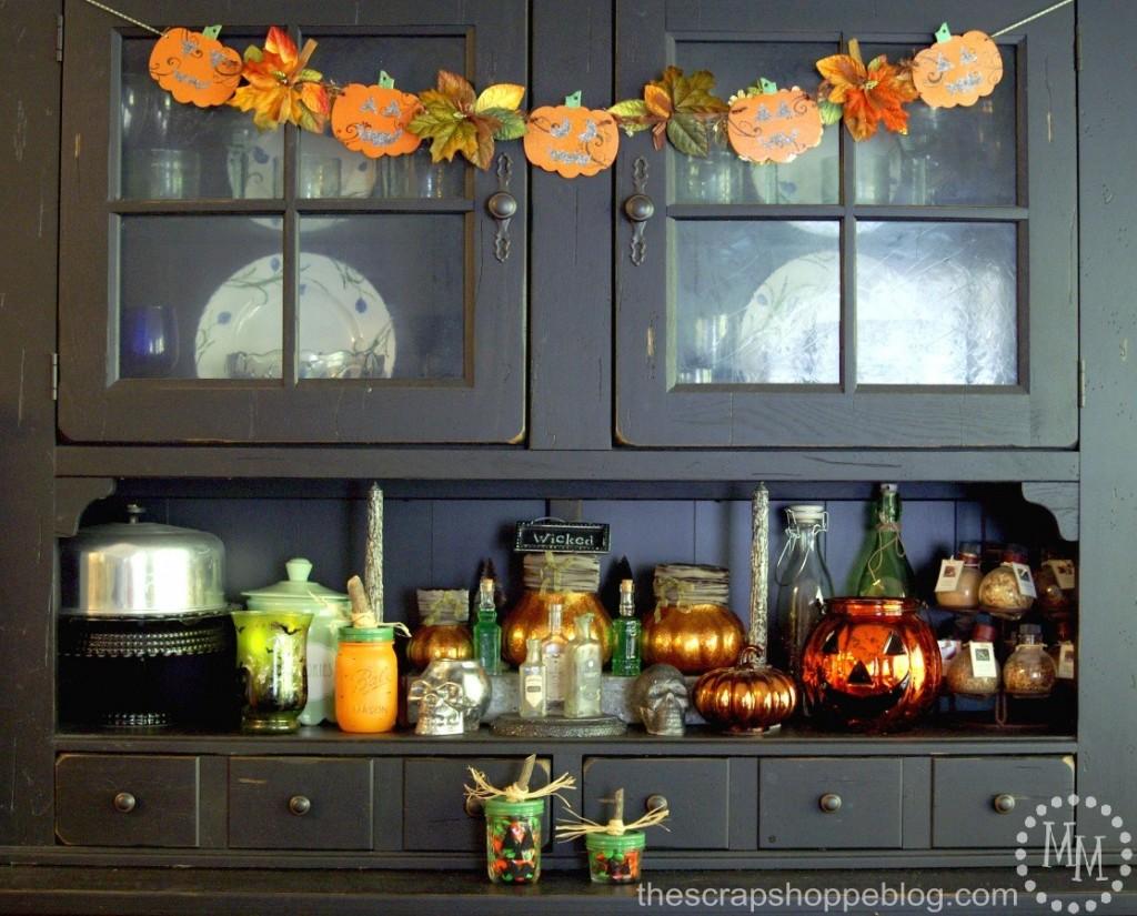 hutch-halloween-decor