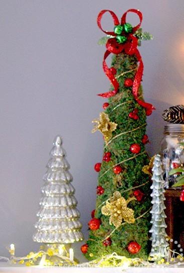 moss-christmas-tree