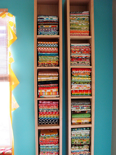 20 fabric storage ideas the scrap shoppe - Estanterias para cds ...