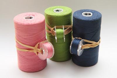 thread-with-bobbin-storage