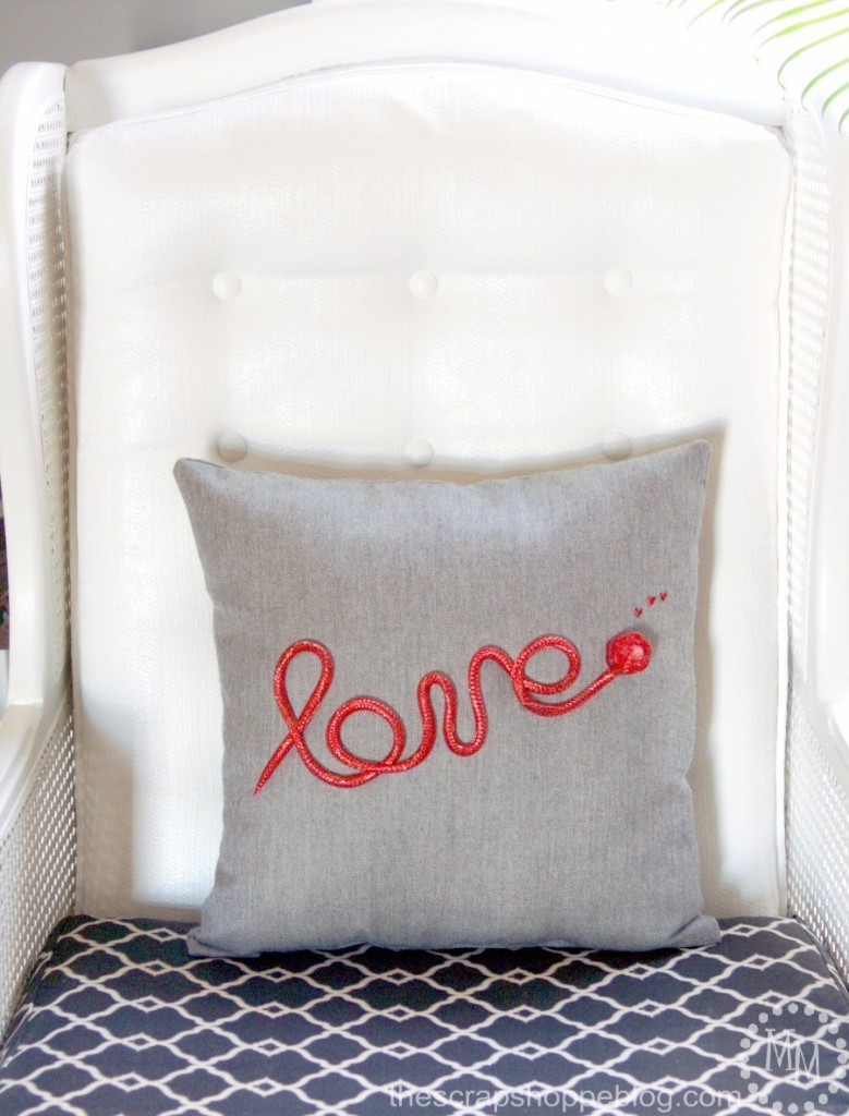 love-valentine-pillow
