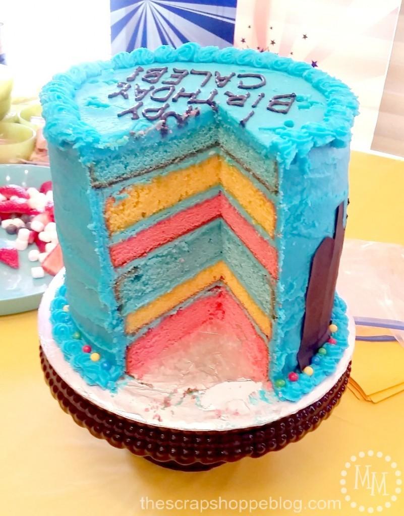 inside-lego-superhero-cake