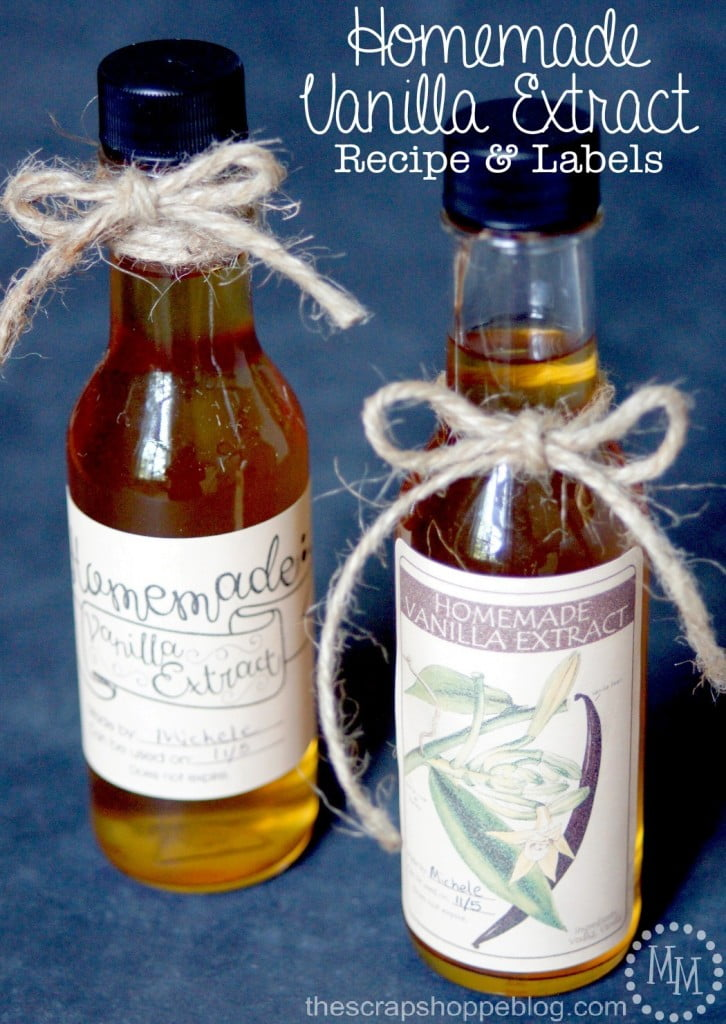 Homemade Vanilla Extract Recipe and FREE Printable Labels - perfect for Christmas gifts!