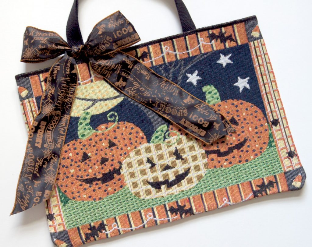 placemat-handbag