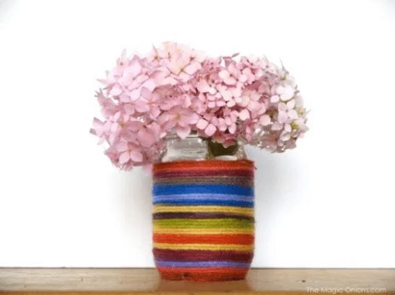 Yarn-wrapped Mason jar