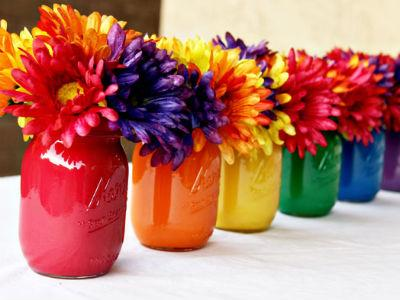 rainbow-painted-mason-jar-centerpiece