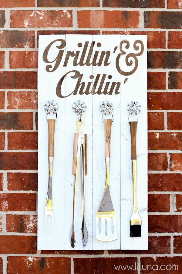 grillin-and-chillin-sign-4