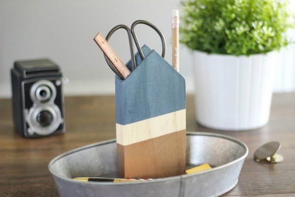 Handmade-painted-wooden-pencil-holder-