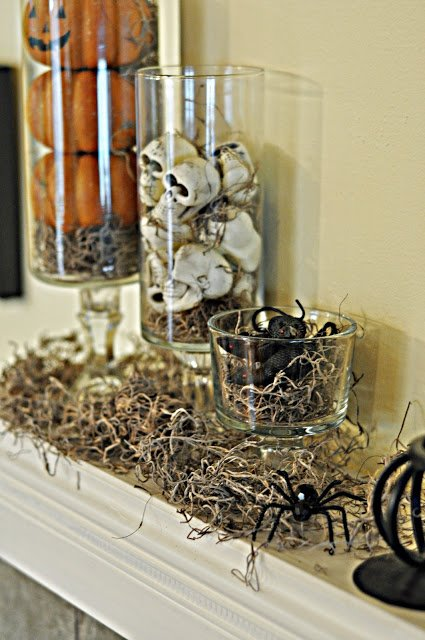 12 Simple but Spooky Halloween Decorations