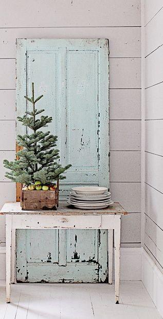 farmhouse chic christmas trendy