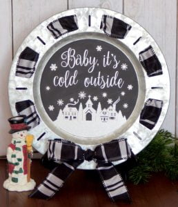 Beat the post Christmas blues with some fun winter decor like this chalkboard winter scene made with adhesive vinyl!