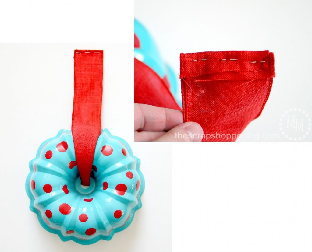 Rather than toss an old worn out bundt pan, upcycle it into a festive new wreath!