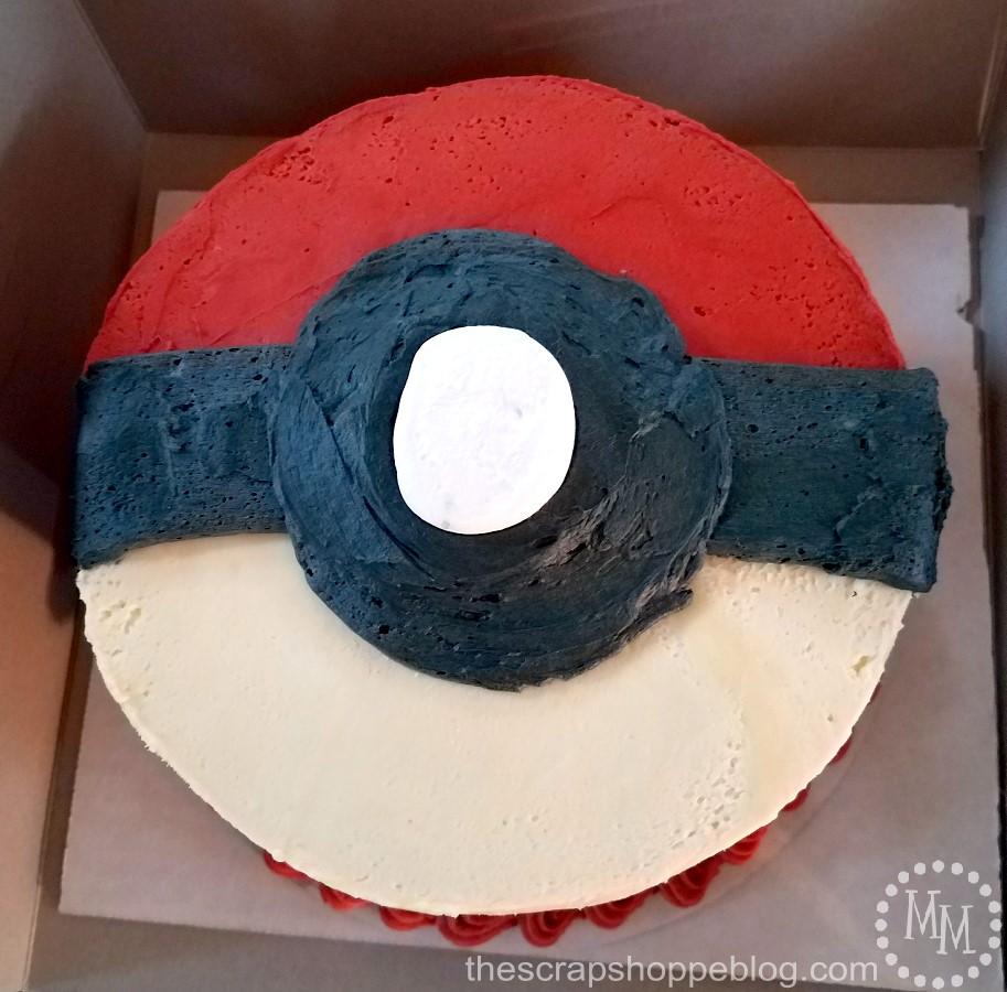 DIY Pokéball Birthday Cake