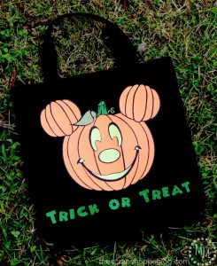 Mickey Halloween Trick or Treat Bag {with FREE Cut File}