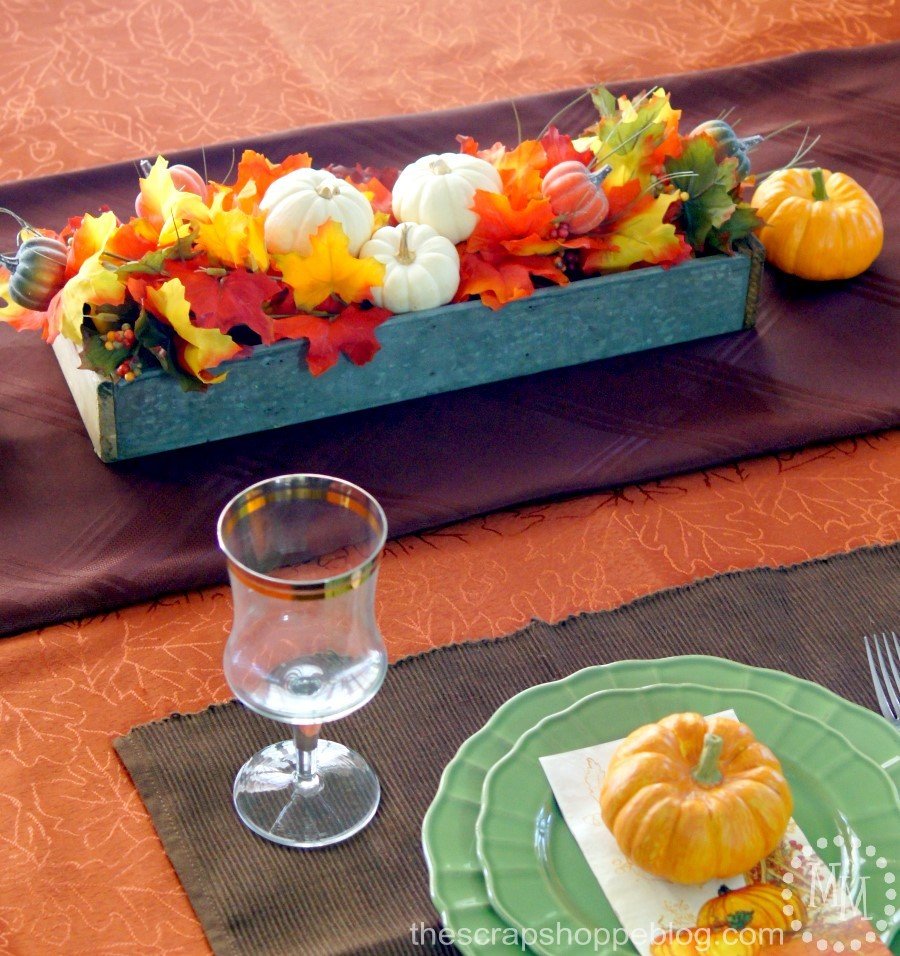 Need ideas to decorate your dining room table for fall? Try one of these 6 simple decorating ideas!