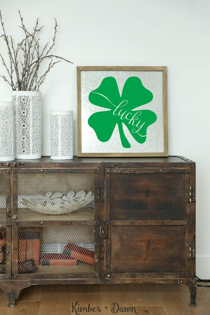 Stay pinch proof on St. Patrick's Day with these fun vinyl ideas!