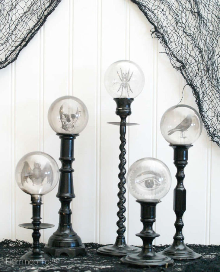 Dress up your home the EASY way with these printable Halloween home decor ideas!
