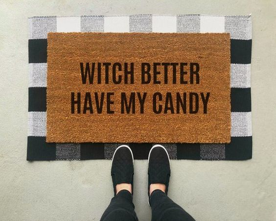 DIY Fall Doormats to dress up your front porch!