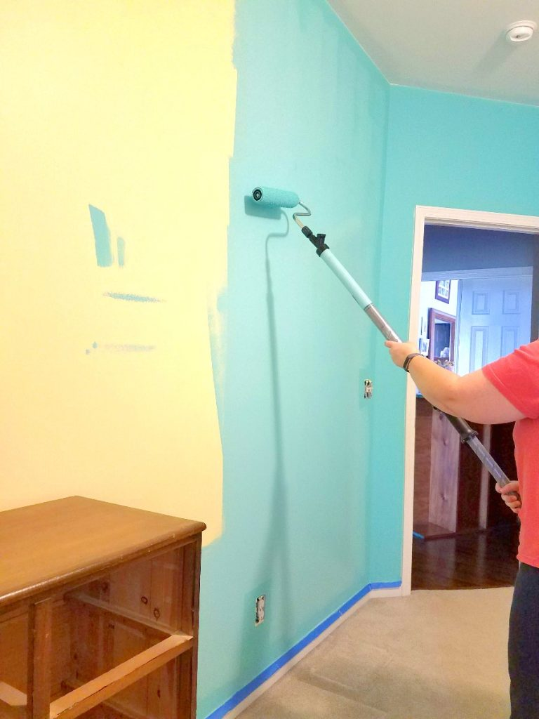 Paint walls with ease with the PaintStick EZ-Twist