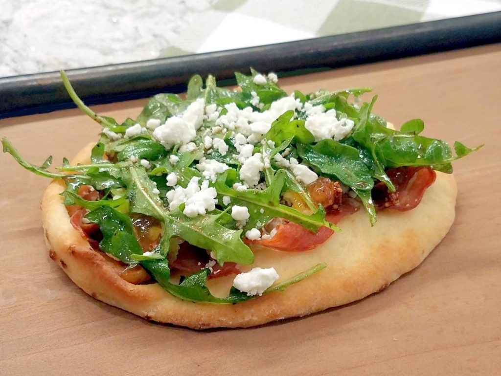 This fig & pig flatbread is a wonderful appetizer or even a meal since you won't be able to stop at just one bite.