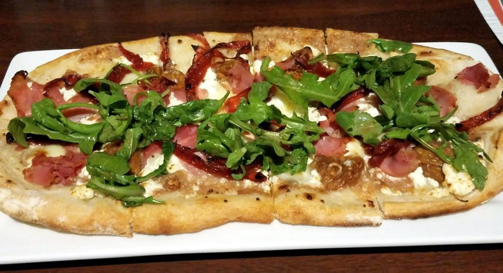 fig and pig flatbread at Splitsville Lanes