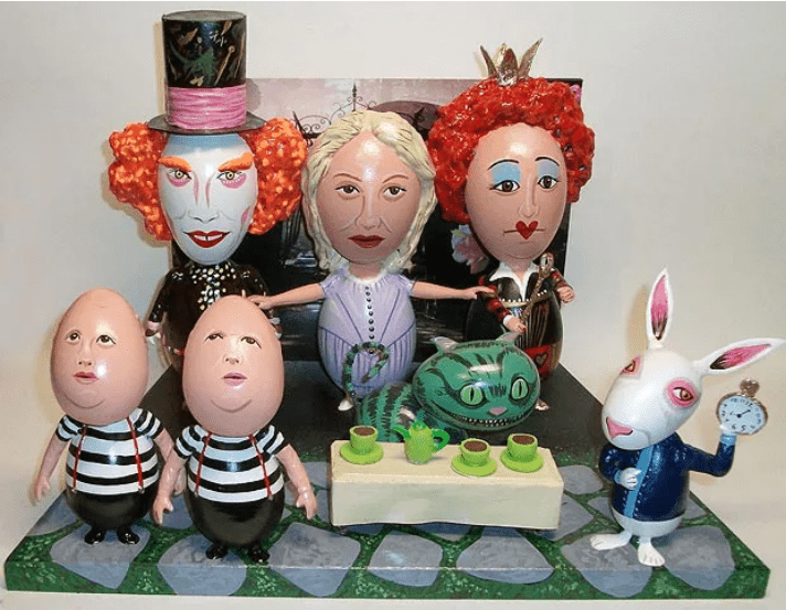 Tim Burton's Alice in Wonderland Easter Eggs