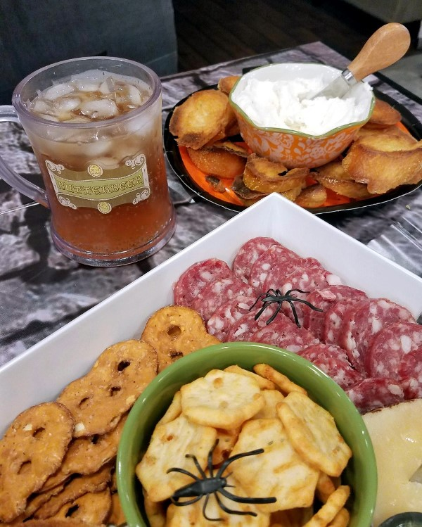 Epic Harry Potter Charcuterie Board - Harry Potter DIY Butterbeer drink Halloween Party